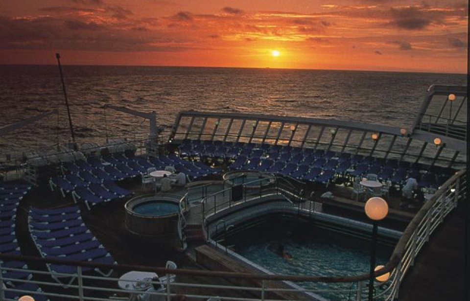 Auringonlasku kannella, Cunard