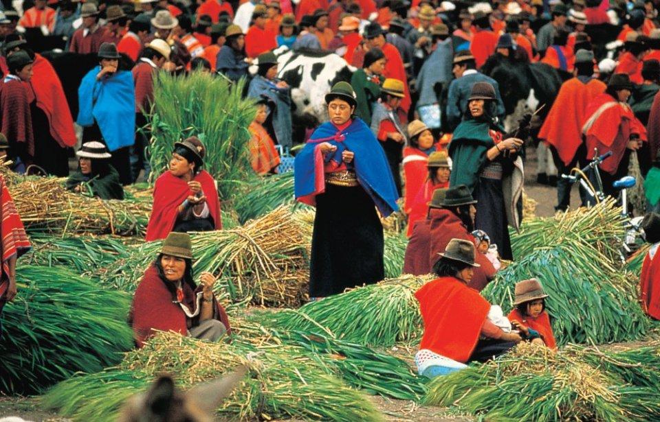 Perinteiset markkinat Otavalossa Ecuadorissa