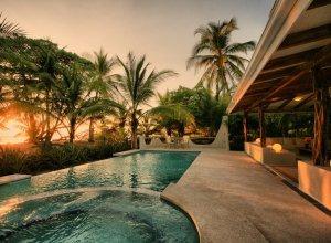 Costa Rica, Hotel Tropica Latino
